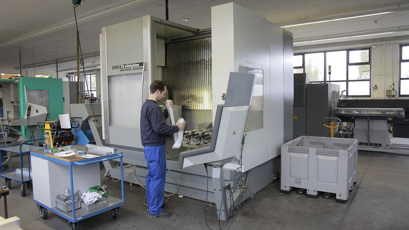 5-axis milling machine